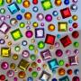 Kép 1/2 - Dekorációs Öntapadó kerek és kocka alakú, színes ékkövek, strasszok különböző méretben. - CsimpiStore webáruház